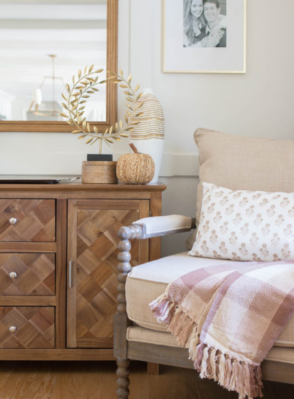 Cozy Touches of Fall Home Decor